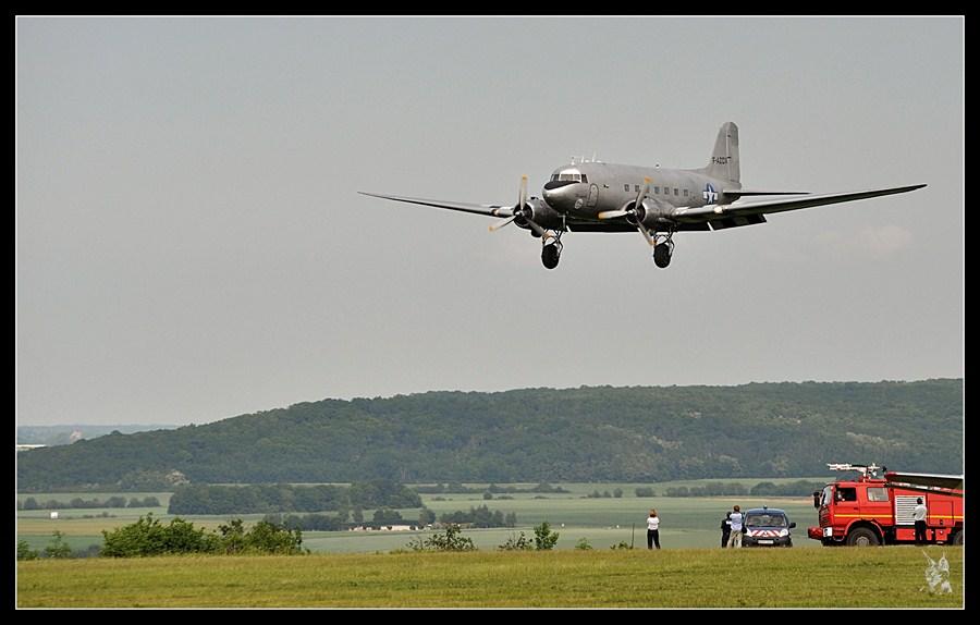 Meeting la Ferté Alais 2012 - Douglas DC-3 en finale