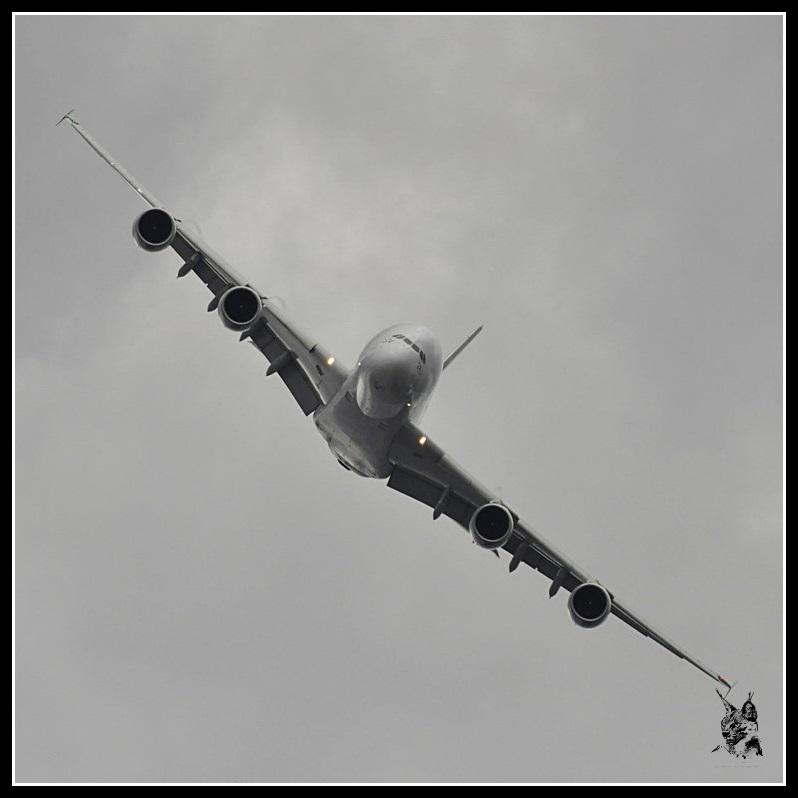 Salon du Bourget Paris Airshow 2013 - Airbus A380 en vol