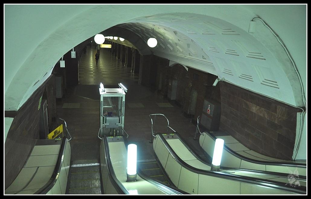 Métro de Moscou, les escalators - Москва метро