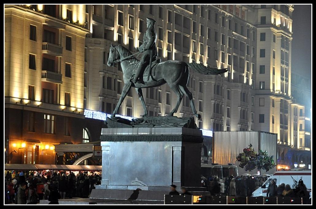 Moscou - Statue du Maréchal Joukov
