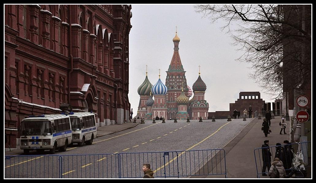 Moscou - La basilique Basile le Bienheureux et le mausolée de Lénine