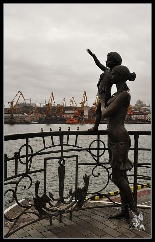 Ukraine - Odessa, Statue sur les quais du port