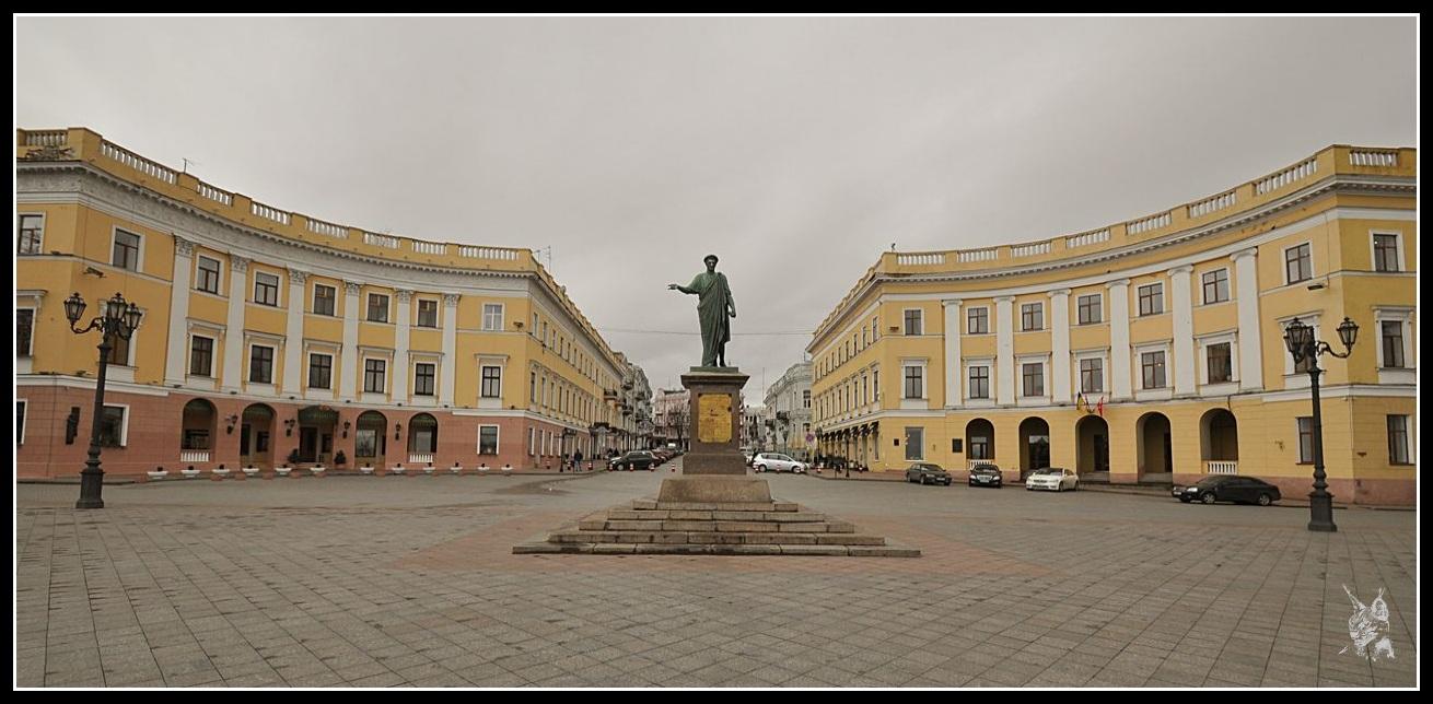 Ukraine - Odessa Statue du Duc de Richelieu en haut de l'escalier Potemkine