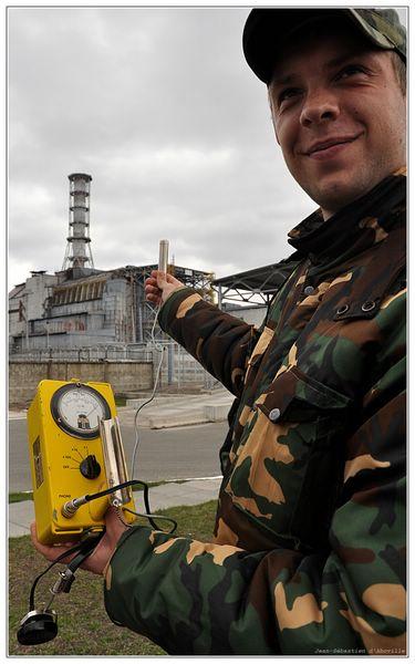 La radioactivité à 100 mètres du réacteur N°4 de Tchernobyl